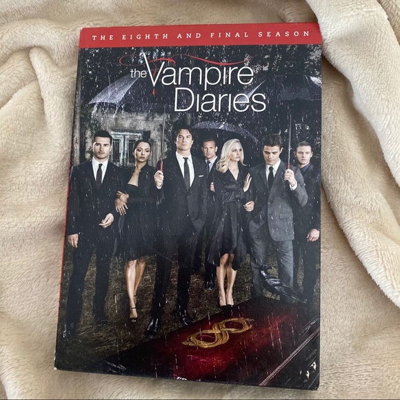 THE VAMPIRE DIARIES The Eighth Season Eight DVD